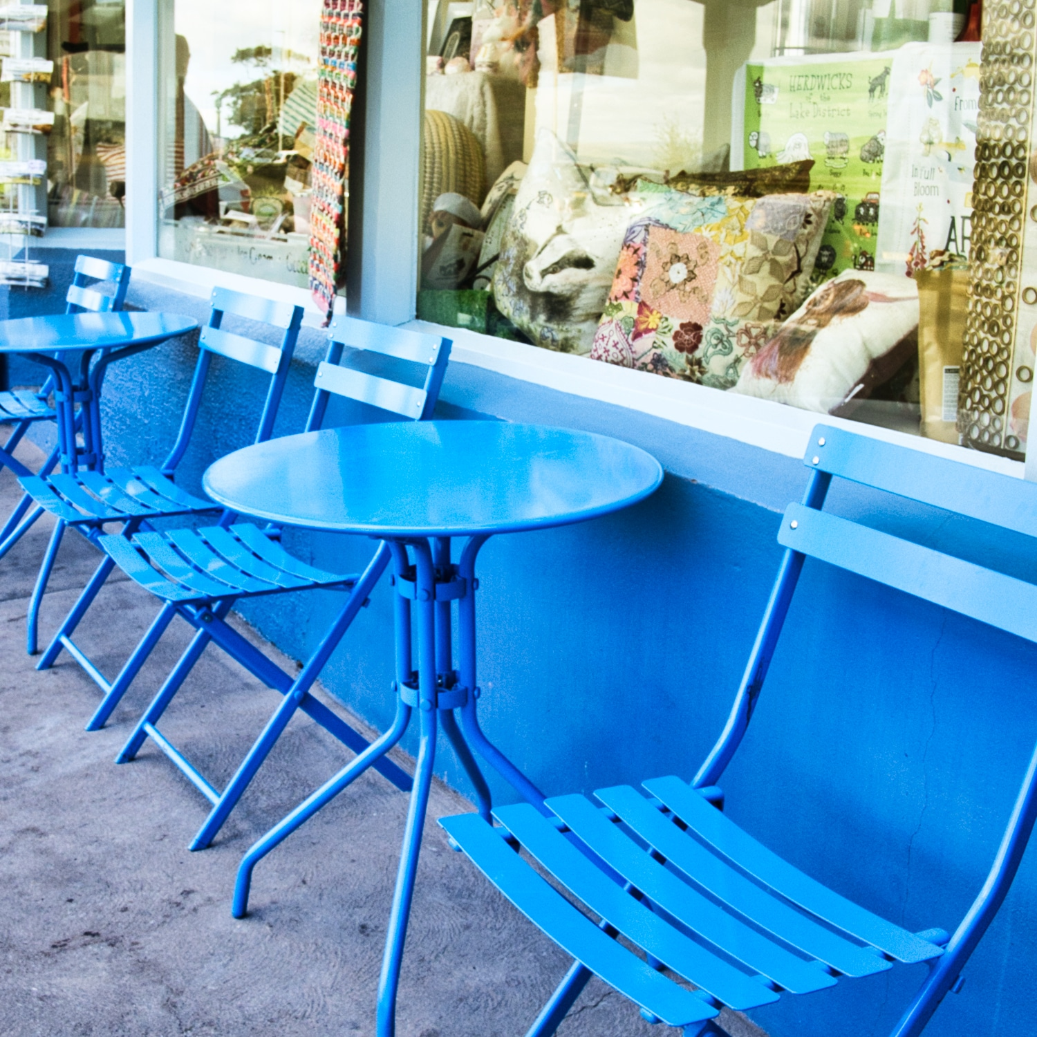 Square-Blue-Chairs ©HelenBushe