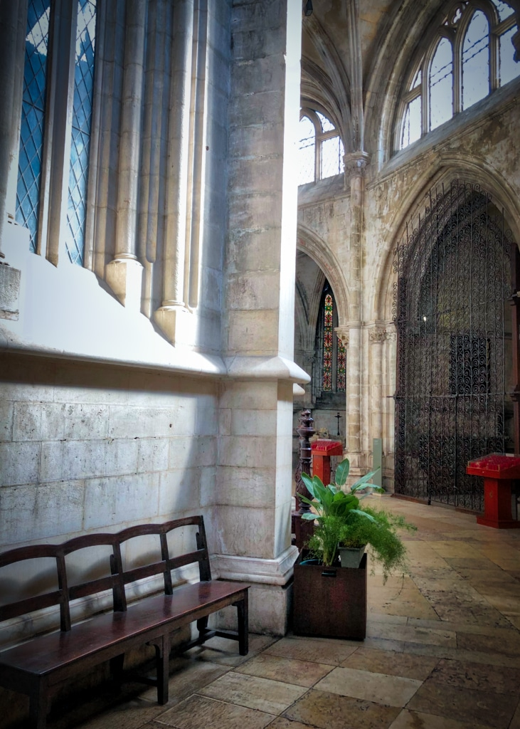 Empty Chairs  Cathedral 3©HelenBushe