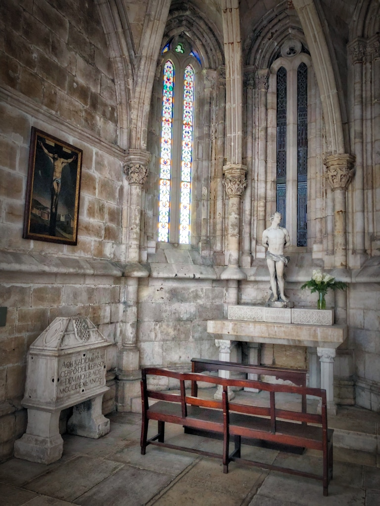 Empty Chairs Cathedral 5©HelenBushe