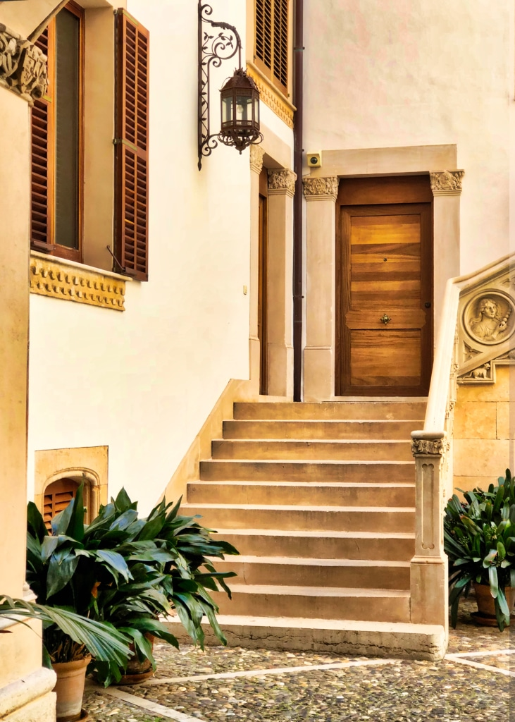 PALMA: Brown Door ©HelenBushe