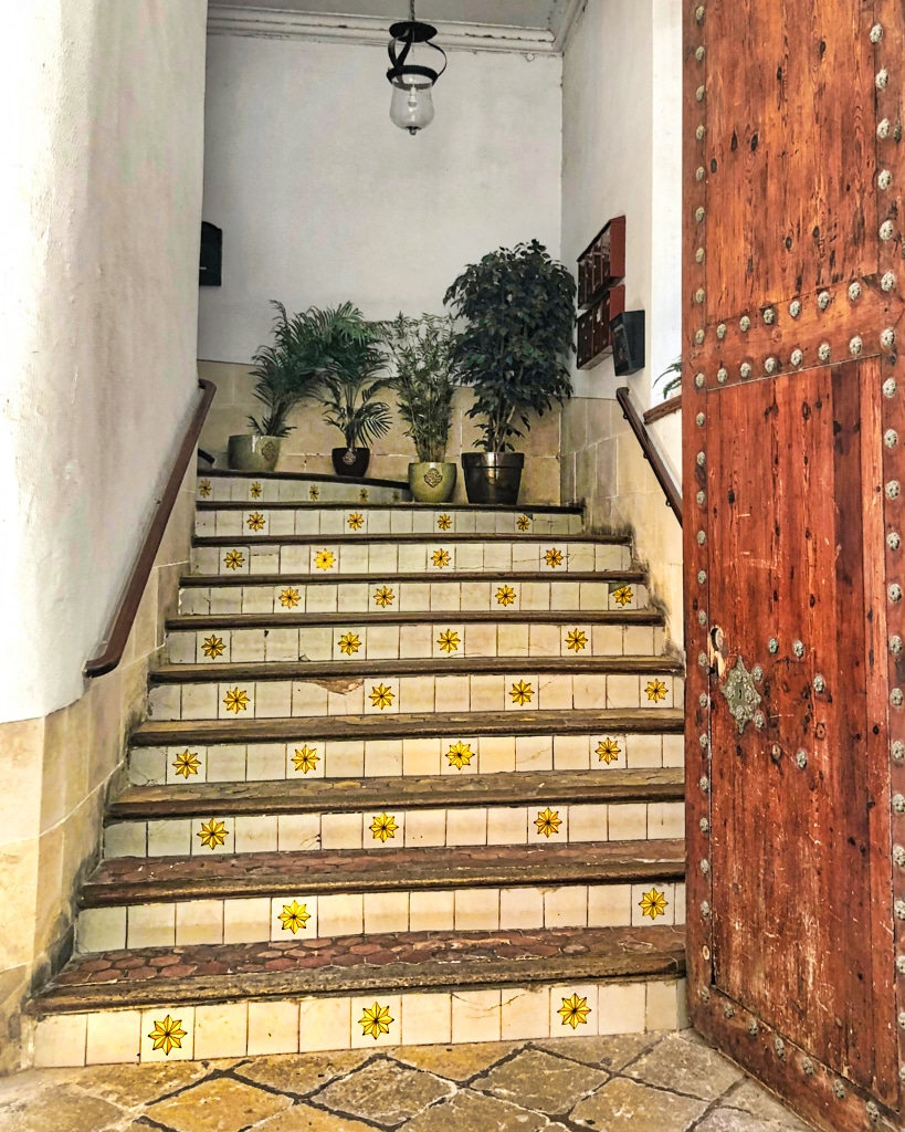 PALMA: Studded Door & Tiled Steps ©HelenBushe