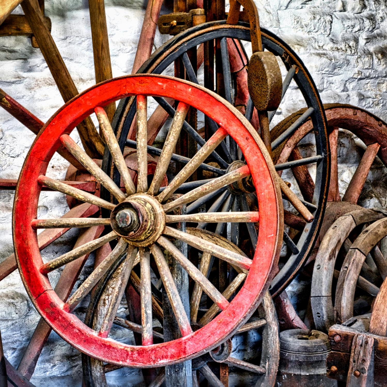 Red-Wheel-©HelenBushe