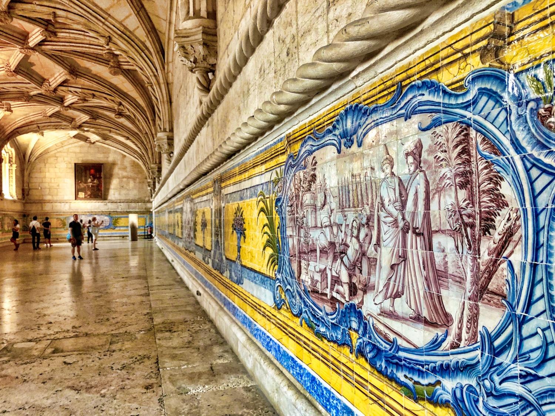 Tiles-Monastery-Hall ©HelenBushe