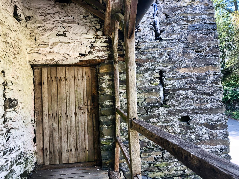 Townend Barn RHS Door ©HelenBushe